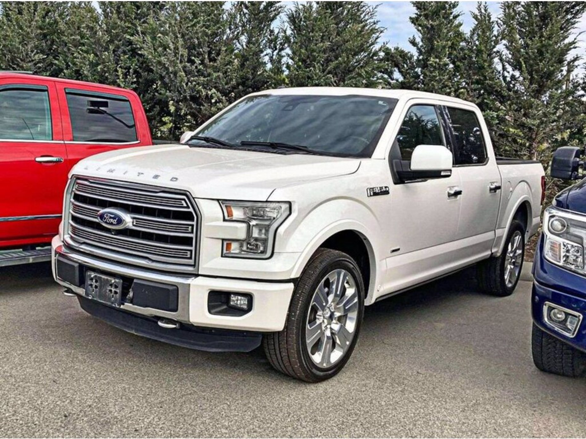 Used 2016 Ford F-150 Limited 4WD SuperCrew 145 Limited *Late Avail* at AutoNow - Your FRIENDLY Auto Credit Solution